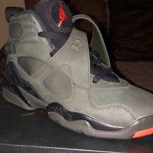 Air Jordan 8 Retro BG, Size 5.5 Mens shoe
